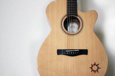 ayers吉他 - 正面照
